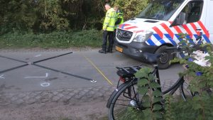 20151003 Callantsoog ongeval trekker met fiets.00_02_11_10.Still003